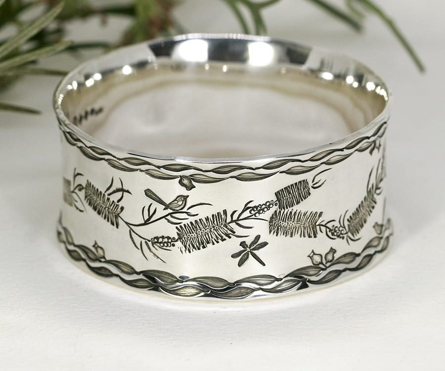 'Bottlebrush Beauty', wide flared bangle