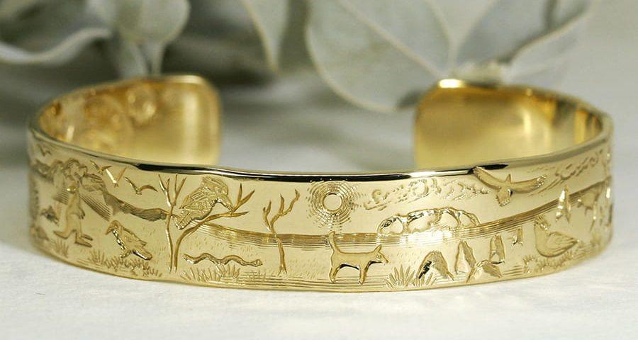 'Australian Favourites', 18ct Yellow Gold Cuff