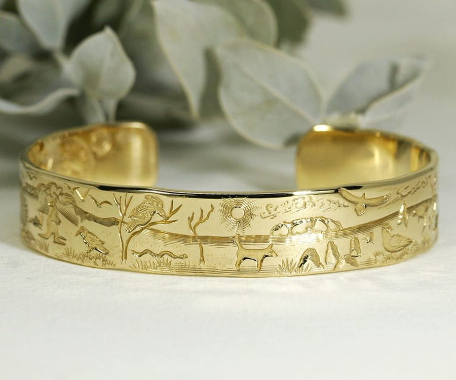 'Australian Favourites', 18ct Yellow Gold Cuff