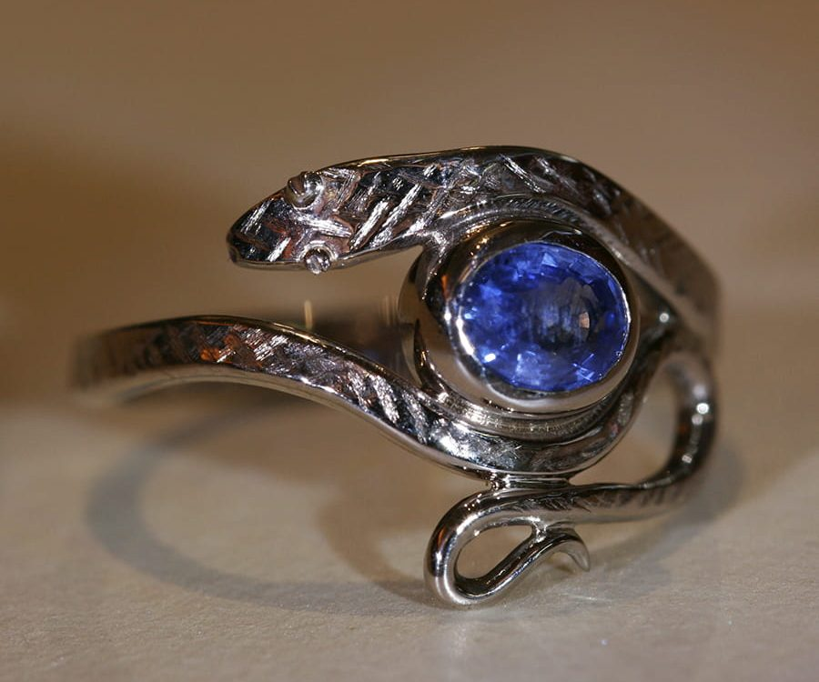 17. 18ct White Gold and Sapphire Snake Ring