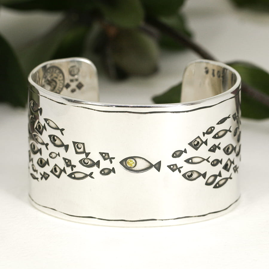 20. 'No Ordinary Fish', Wide cuff set with 4pt Fancy Intense Yallew Diamond