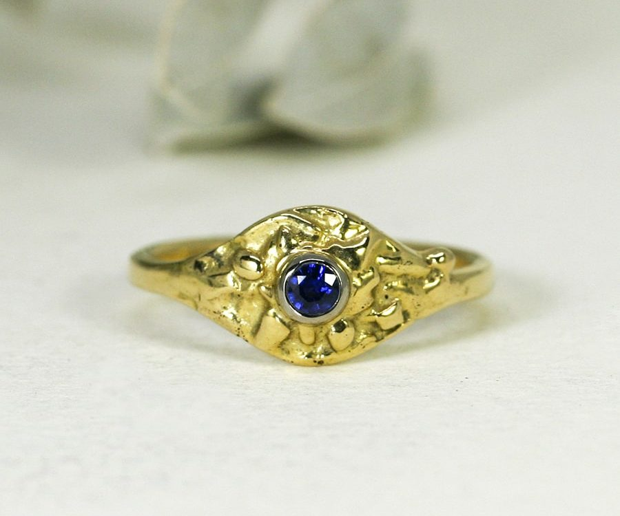 21. 'Azure Blue', 18ct Yellow Gold, set with a 16pt Ceylon Sapphire