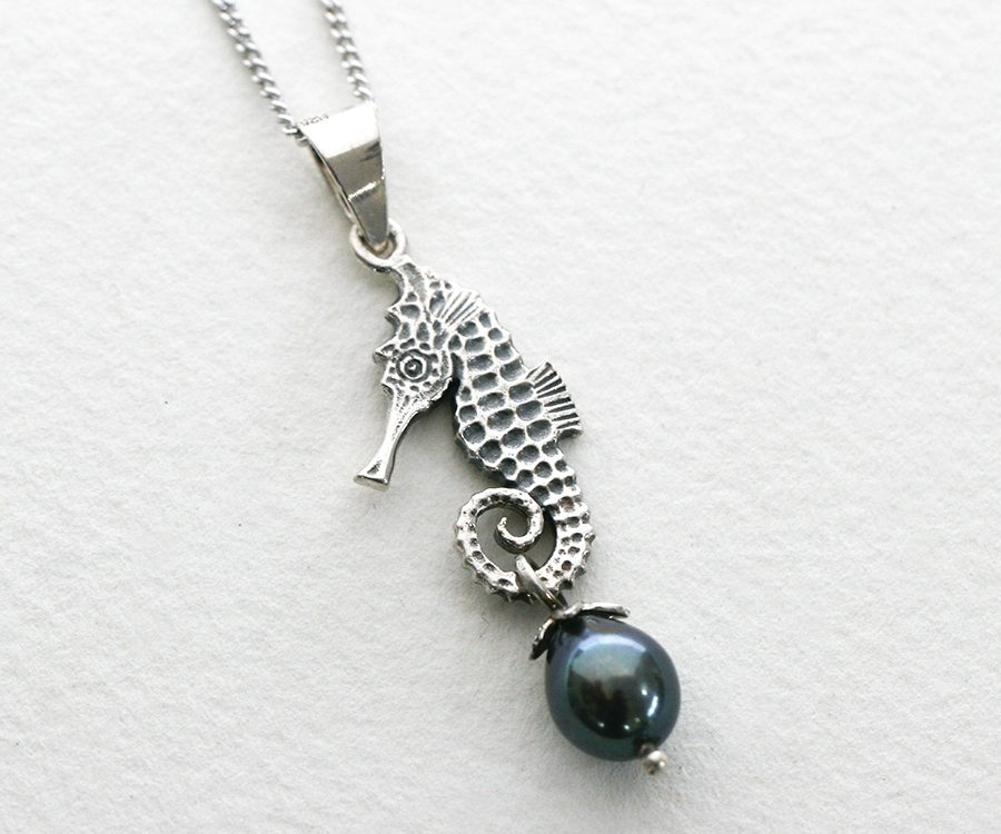 Seahorse, with fresh water pearl