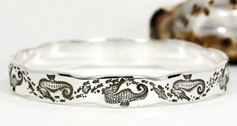 seahorse-sterling-silver-scalloped-john-miller-design