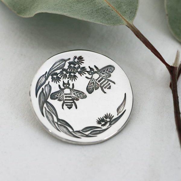 Sterling silver Bee & Gumleaf round pendant