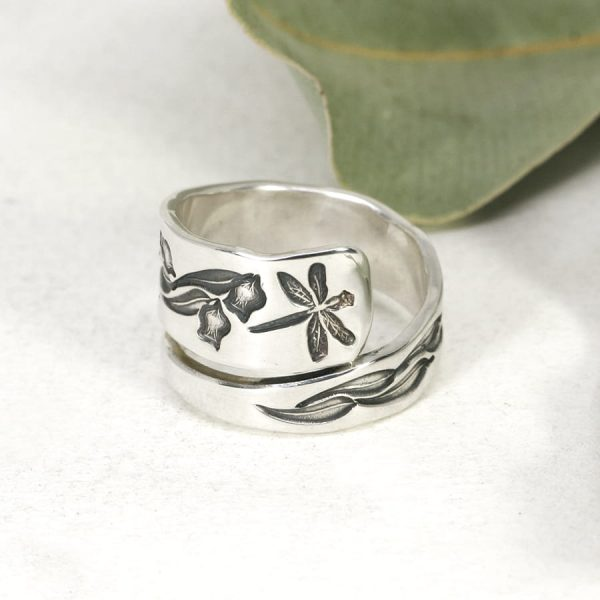 Sterling silver Dragonfly & Gum leaves spiral ring front