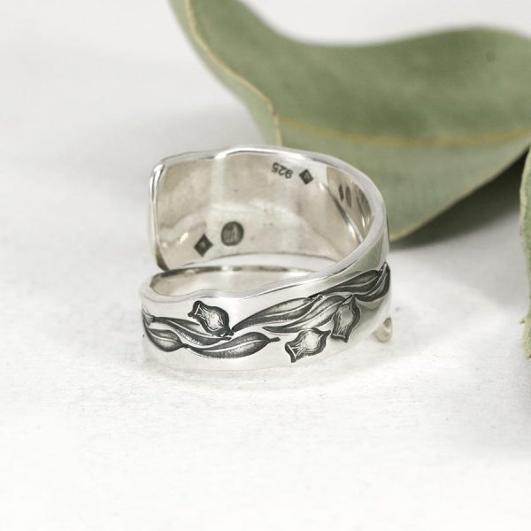 Sterling silver Dragonfly & Gum leaves spiral ring back