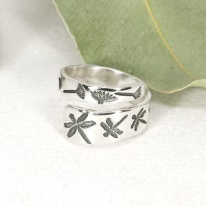 Sterling silver Dragonfly & Everlasting spiral ring front