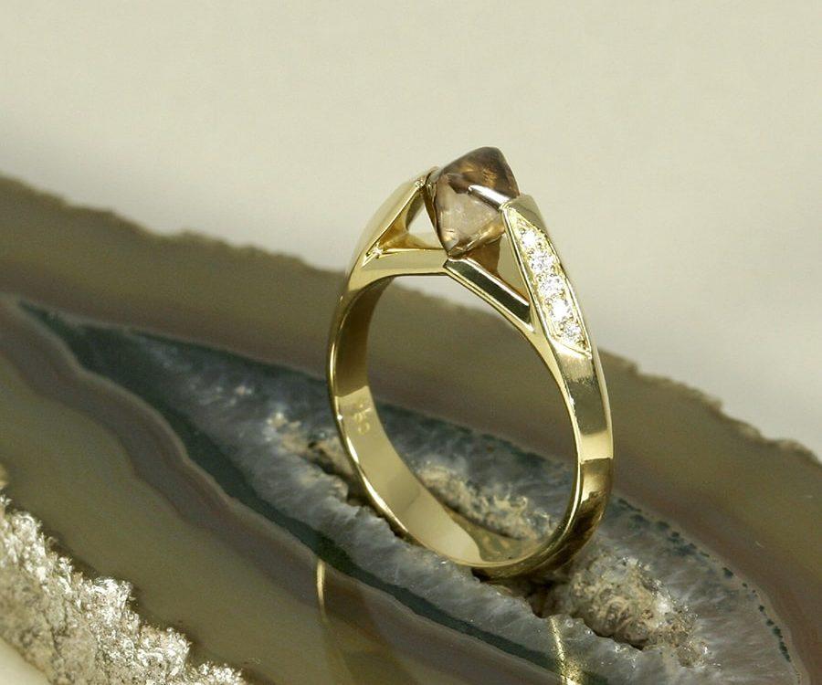 'Natural Beauty' 18ct yellow gold 1.26ct uncut Cognac diamond 10=0.10ct GSI RBC diamonds